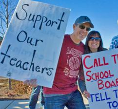 Medford teachers join with parents on the picket lines (Medford Education Association)