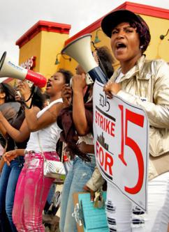 "More than 400 workers participated in the Detroit ""Fight for 15"" action (Aaron Petkov 