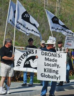 Vets for Peace members take part in a San Diego protest against the drone wars (Rick Greenblatt | SW)