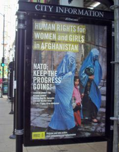 Amnesty International's pro-occupation ad on a Chicago bus shelter (Amnesty International)