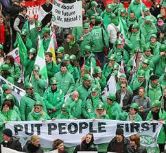 Unionists march for green jobs and the planet at a G20 summit