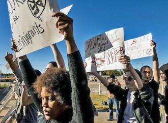 Texas anti-racists take a stand against the neo-Nazis