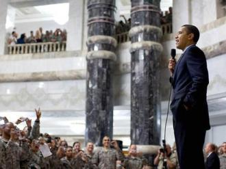 President Obama speaking to U.S. troops (Pete Souza)