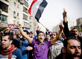 Protesters wind through the Nasr City neighborhood of Cairo (Hossam el-Hamalawy)