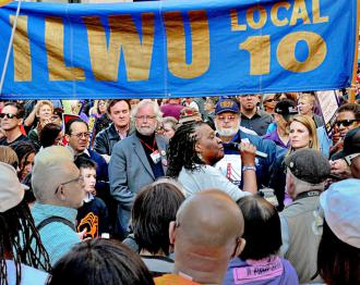 ILWU Local 10 members and supporters gather for a rally (Robert B. Livingston)