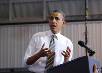 President Obama delivers a campaign speech at a community college (Daniel Borman)