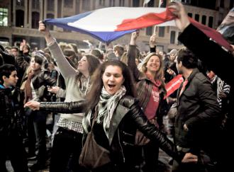 French voters celebrate the defeat of conservative former President Nicolas Sarkozy (Fabien Ecochard)