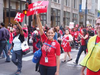 Chicago teachers rally and march through the loop in May (Bartosz Brzezinski)