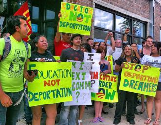 Dreamwalkers picket outside Obama campaign headquarters in Denver (Justin Valas)