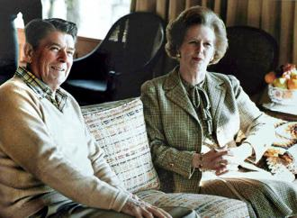 Margaret Thatcher visits with Ronald Reagan in 1984 (White House)