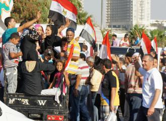 Cairo residents on the march against Morsi during the June 30 demonstrations (Zeinab Mohamed)