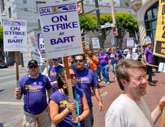 Bay Area Rapid Transit workers on the picket line during a one-day strike (Steve Rhodes)