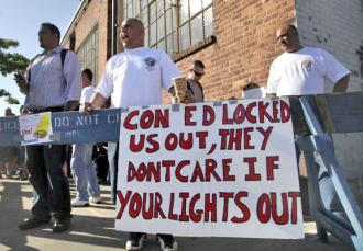Locked-out Con Ed workers keep up the fight on the picket lines