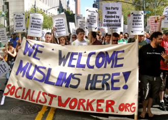 Thousands march in New York City to defend the rights of Arabs and Muslims (Matt Swagler | SW)