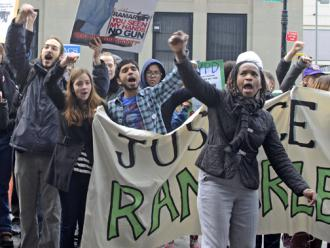 Protesters demand justice for Ramarley Graham outside the courthouse (Alexis Lim)