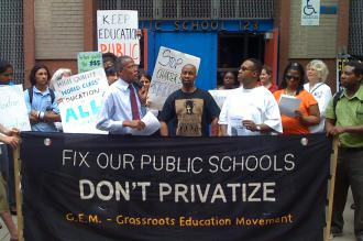 Parents and teachers protest privatization outside P.S. 123 in Harlem (Brian Jones | SW)