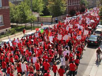 Striking Chicago teachers turn the West Side streets into a river of red (David Rapkin | SW)