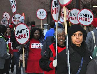 Union supporters at a rally called by UNITE HERE against the Hyatt Regency in Indianapolis (Bill Mullen | SW)