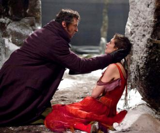 Hugh Jackman and Anne Hathaway in Les Misrables