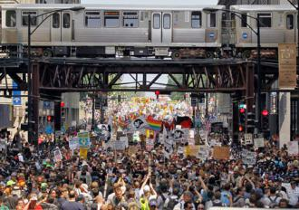 Thousands march against war and austerity in Chicago as the NATO summit begins