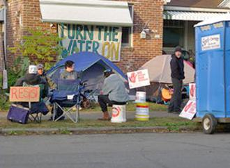Protesters camped in front of Alicia Jackson's home (Jamie Partridge | SW)
