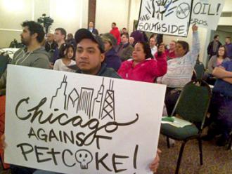 Chicagoans fill a hearing to protest petcoke pollution