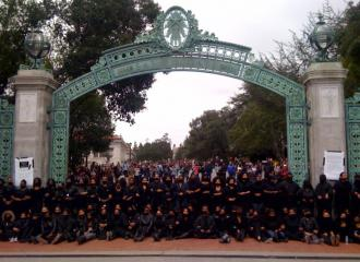 African American students at UC Berkeley protest outside the Sather Gate  (Suzy Babb)