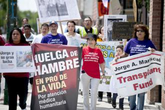 "Hunger strikers and supporters march in a ""Walk for Life""  (Lucio Villa 