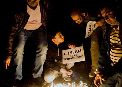 Muslims pay tribute to those lost in the deadly Paris attacks