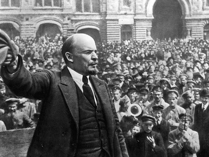 Lenin speaks to a mass demonstration in 1917