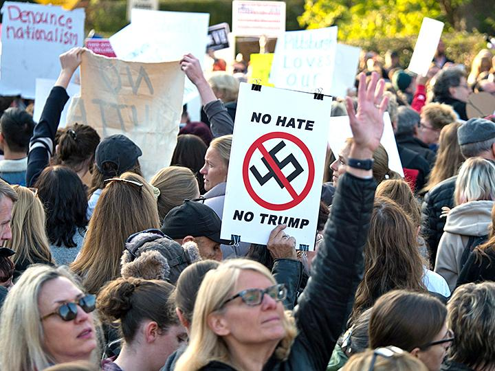 Protesters oppose Trump in Pittsburgh after the synagogue massacre