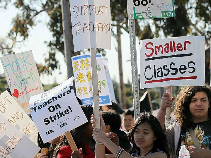 Teachers and students hit the picket line in Oakland, California