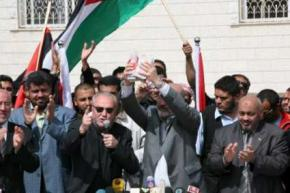 Members of the Viva Palestina aid convoy from Britain hold a press conference in Gaza