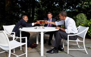Barack Obama, Henry Louis Gates and James Crowley come together for beers at the White House