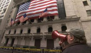 Michael Moore confronts the Wall Street thieves in Capitalism: A Love Story