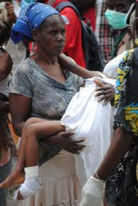 Haitians displaced by the earthquake wait for aid