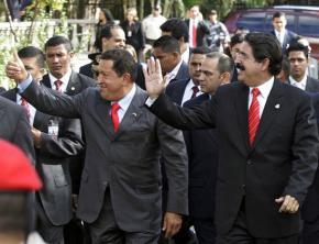 Venezuelan President Hugo Chávez in Honduras in 2008 to sign an agreement between Honduras and Petrocaribe