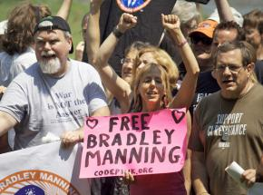 Protesters in Virginia rally to defend Bradley Manning