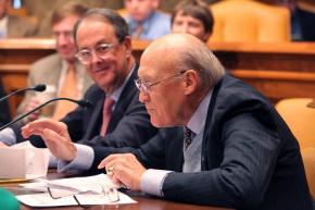 Alan Simpson and Erskine Bowles preside over a vote of commission members on their austerity proposals