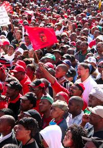 Hundreds of thousands march in Cape Town during a COSATU-led strike in 2008