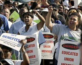 Members of the Detroit Teachers Federation at a rally in 2007