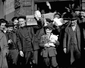 Workers collect groceries and supplies during the 1919 Seattle General Strike
