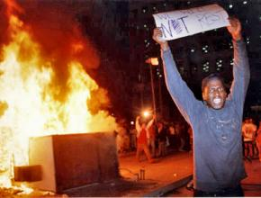 Protesters bring their rage into the streets after the not-guilty verdict for police who beat Rodney King