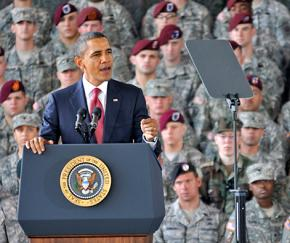 Barack Obama speaks to troops stationed at Fort Bragg