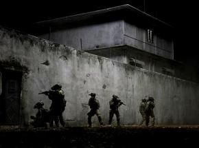 Special Forces conduct an operation in Zero Dark Thirty
