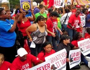 Chicago fast-food workers carry out civil disobedience