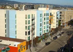 Hella ugly new condominiums in Oakland