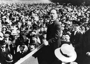 German revolutionary Karl Liebknecht on the speakers platform