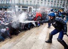 French riot police attach Palestine solidarity demonstrators with tear gas