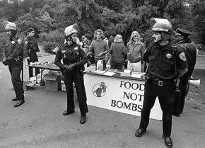 San Francisco police harass a Food Not Bombs table in Golden Gate Park